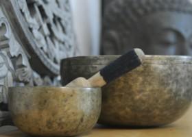 yogastudio zweiersdal oosterbeek klankschalen op tafel Wereld van Yoga