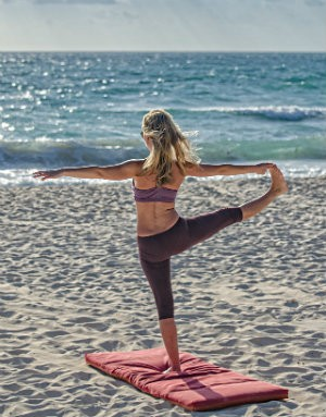 3 redenen hatha yoga na vakantie soepel lichaam strand