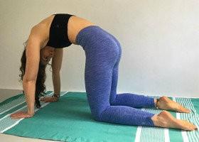 3 x ochtend yoga oefeningen kathouding soepel