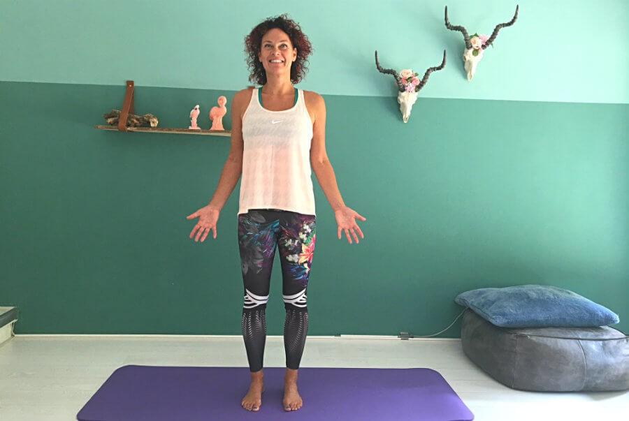 berg houding tadasana yoga Berghouding (Tadasana) in yoga - Wereld van Yoga