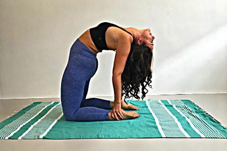 verschil yin yang yoga kameel houding ustrasana