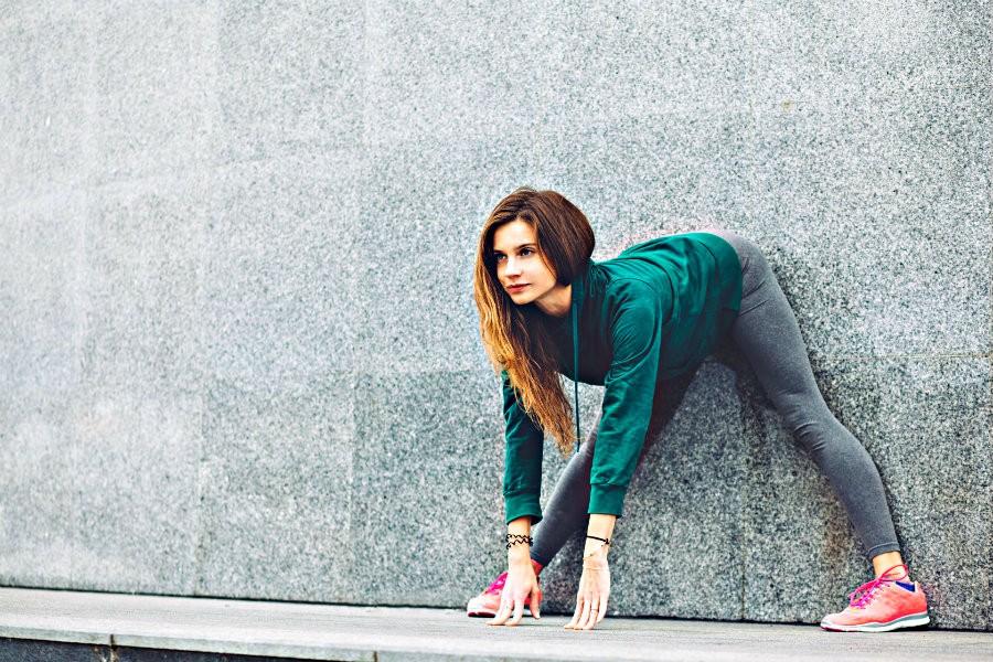 6 adressen hatha yoga rotterdam meisje doet buiten yoga stad 6 yogastudio's voor Hatha Yoga in Rotterdam - Wereld van Yoga