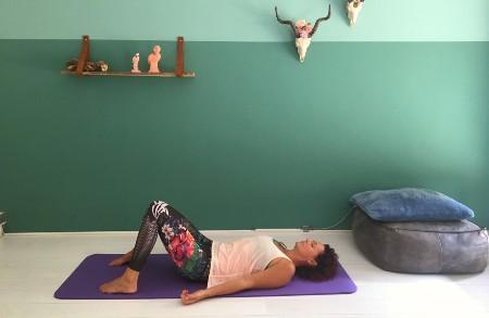 lijkhouding savasana in yoga bij rugpijn