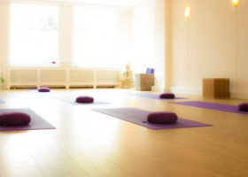 yoga studio the city retreat den haag centrum lichte yogaruimte