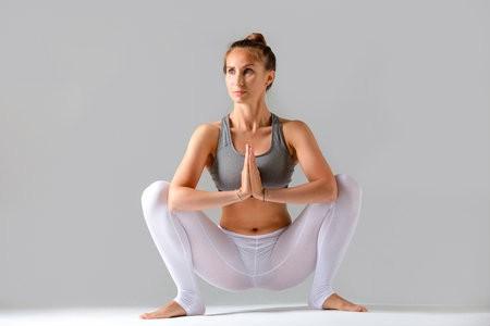 5 beste yogahoudingen vakantie adres hoe moet de hurkzit