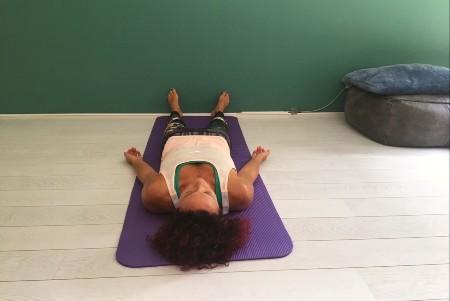 lijkhouding savasana in yoga rusthouding