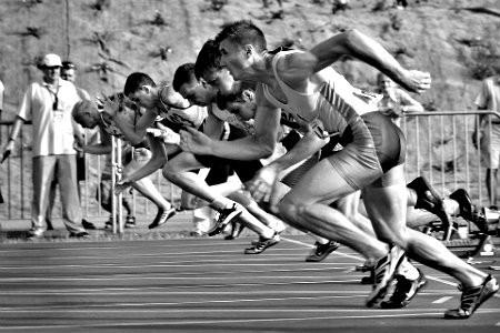 grootste-verschillen-yoga-sport-hardlopers-op-atletiekbaan