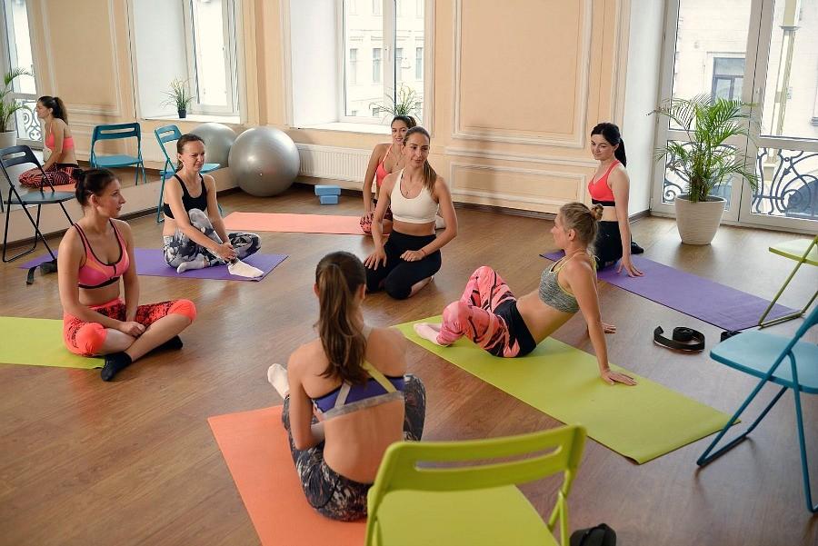 yoga-voor-beginners-6-tips-om-te-starten-FB-groot Yoga voor beginners: 6 tips om goed te starten - Wereld van Yoga