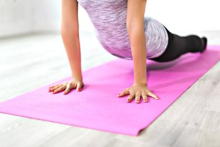 hoe kiezen beste yoga mat comfortabel yoga doen
