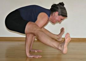 yoga studio de cirkel den haag rustenburg vrouw moeilijke houding Wereld van Yoga