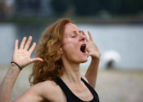yogastudio yomabe rotterdam delfshaven connie van dam Wereld van Yoga