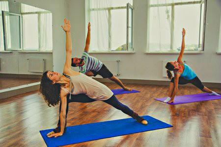 yoga helpt bij minder eten balans