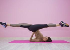 10 redenen waarom yoga gezond is vrouw doet hoofdstand 10 redenen waarom yoga gezond is - Wereld van Yoga