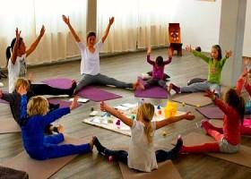 yoga studio hillegersberg rotterdam noord oost kinderen yogales plezier Wereld van Yoga