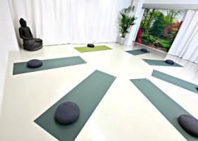 yogastudio yogafabriek den haag oost zaal met matten Wereld van Yoga