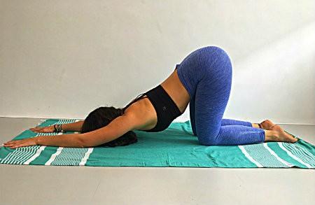 meer liefde door yoga hart opener melting heart pose