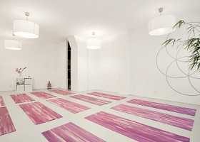 Yoga school Amsterdam Thrive Yoga Oost