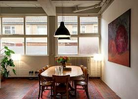 yoga studio hillegersberg rotterdam noord oost tafel lamp bloemen stoelen wachtruimte Wereld van Yoga