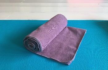 overzicht yoga kleding matten handdoeken