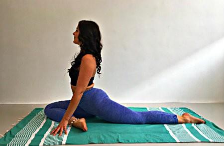 yin yoga helpt bij stijve heupen duifhouding