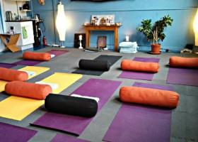 Yoga school Rotterdam Yoga met Lef!