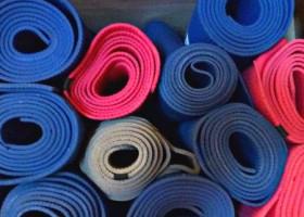 yoga studio zinaaz den haag vruchtenbuurt yogamatten kast Wereld van Yoga