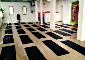 Yoga school Rotterdam Hot Yoga Place