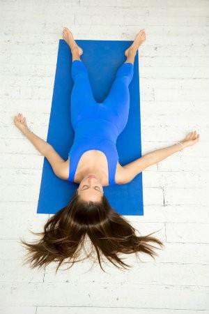 verschil restorative yoga nidra savasana lijkhouding